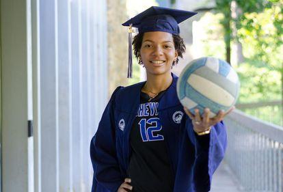 Julia Borges se formou em psicologia em Asheville, na Carolina do Norte, porque conseguiu uma bolsa integral através do vôlei.