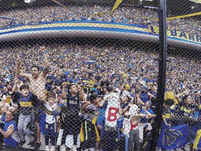Torcedores do Boca Juniors durante jogo em Buenos Aires, do dia 11 de novembro.