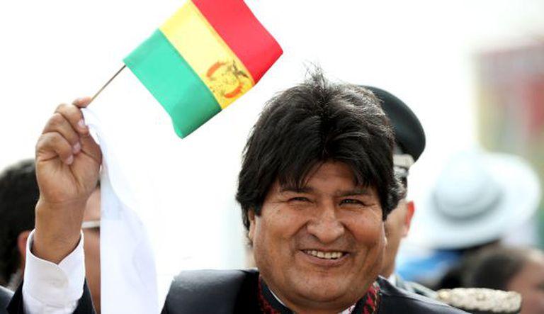 Morales na chegada do papa Francisco à Bolívia, em 9 de julho.