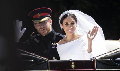 Os duques de Sussex, no dia do casamento, em 19 de maio de 2018, em Windsor