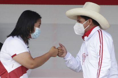 Os candidatos à Presidência do Peru, Keiko Fujimori e Pedro Castillo, no último debate em que se enfrentaram, em maio.