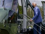 WASHINGTON, DC - APRIL 24: U.S. President Joe Biden boards Marine One on the Ellipse on April 24, 2021 in Washington, DC. U.S. President Joe Biden and First lady Jill Biden will spend the weekend in Delaware.   Tasos Katopodis/Getty Images/AFP == FOR NEWSPAPERS, INTERNET, TELCOS & TELEVISION USE ONLY ==