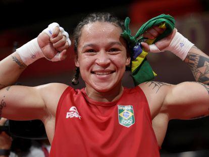Beatriz Iasmin Ferreira após se classificar para a disputa de ouro.