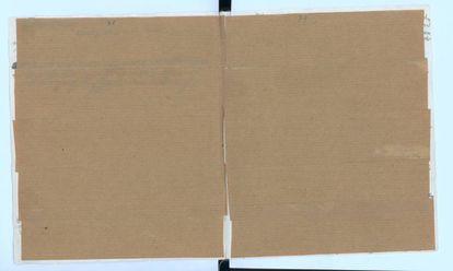 As duas páginas que Anne Frank cobriu com papel kraft agora reveladas.