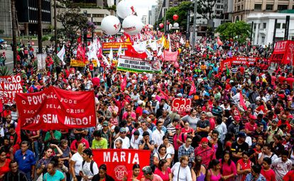 Manifestação anti-impeachment em São Paulo.