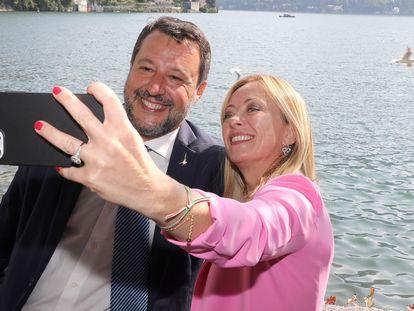 Matteo Salvini, líder da Liga, e Giorgia Meloni, do Irmãos da Itália, no fórum econômico de Cernobbio.