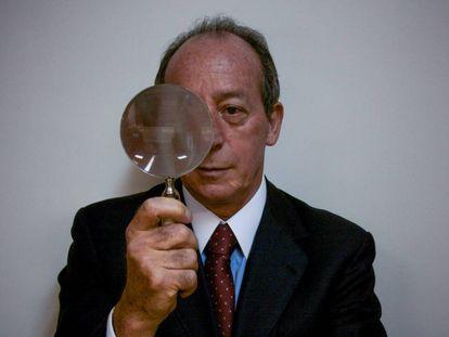 O advogado João Tancredo, no seu escritório, no Rio.