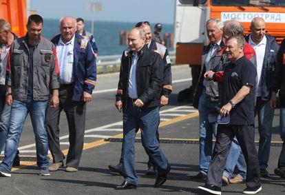 Putin na cerimônia de inauguração da ponte de Kerch, que une a Crimeia com o resto do território russo.