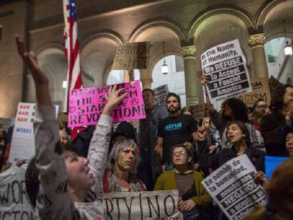 Nova York e Califórnia lideram a resistência a planos de Trump