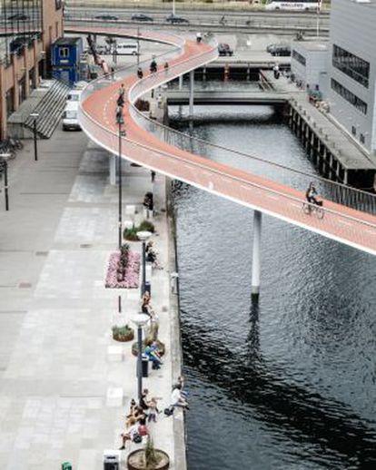 A ciclovia Cycle Snake, em Copenhague.