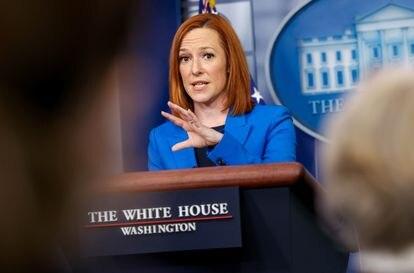 A secretária de imprensa da Casa Branca, Jen Psaki, na sala de imprensa da Casa Branca, Washington.