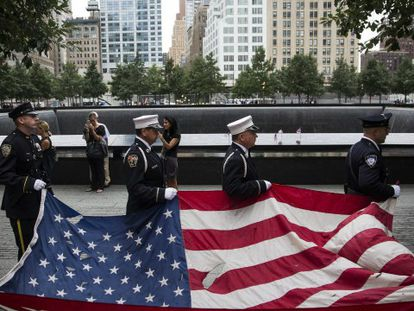 Na foto (Efe), o memorial dedicado às vítimas do atentado em Nova York | Vídeo: Reuters