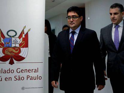 Os promotores Jorge Ramírez e Rafael Vela nesta sexta-feira em São Paulo.