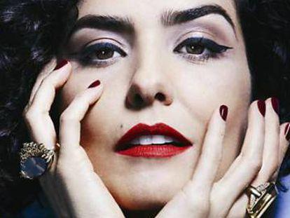 A atriz Letícia Sabatella.