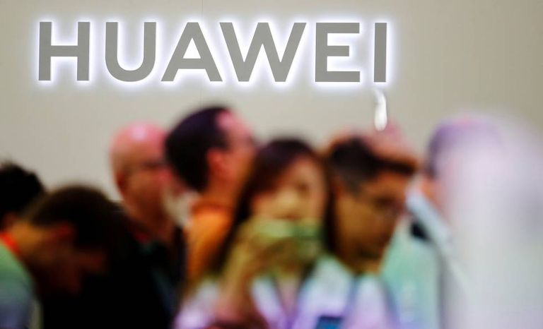 Logo da Huawei na feira de tecnologia de Berlim.