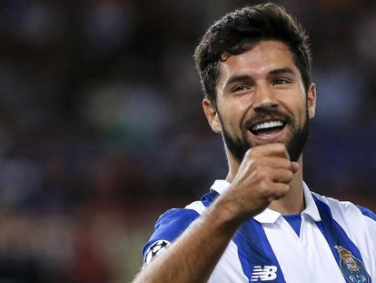 Felipe comemorou seu gol, que abriu o placar para a vitória