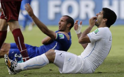 Luis Suárez, depois de morder Chiellini.