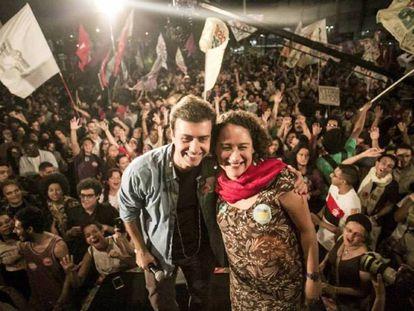 Marcelo Freixo e sua vice, Luciana Boiteux, no último dia 15 no Rio de Janeiro. Facebook