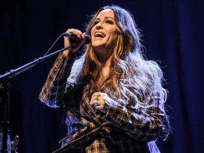 Alanis Morissette, em uma apresentação em 4 de março de 2020 em Londres.