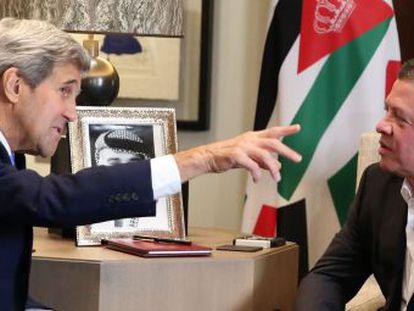 Rei Abdullah, da Jordânia, recebe o secretário de Estado John Kerry