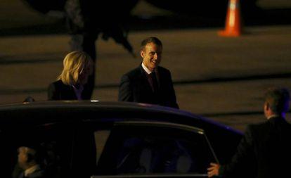 O presidente da França, Emmanuel Macron, depois de chegar à Argentina.