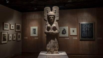 A escultura 'A jovem de Amajac', descoberta no início do ano na porção huasteca de Veracruz e da qual será construída uma réplica que substituirá Colombo no Passeio da Reforma.
