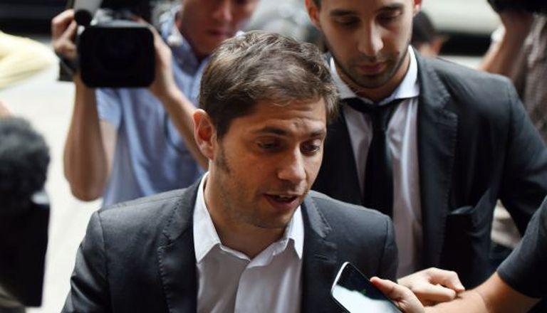 O ministro de Economia da Argentina, Axel Kicillof, chega ao escritório do mediador Daniel Pollack, ontem pela tarde, em Manhattan.