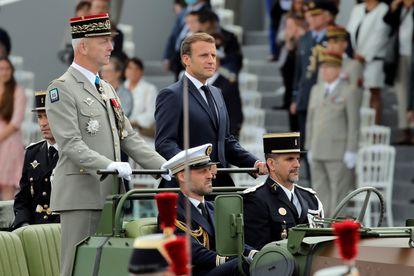 O chefe do Estado Maior francês, general François Lecointre, com o presidente Emmanuel Macron, em 2020.