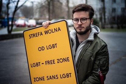 O documentarista Bart Staszweski é alvo de várias investigações por causa do seu ativismo. / PRZEMYSLAW STEFANIAK