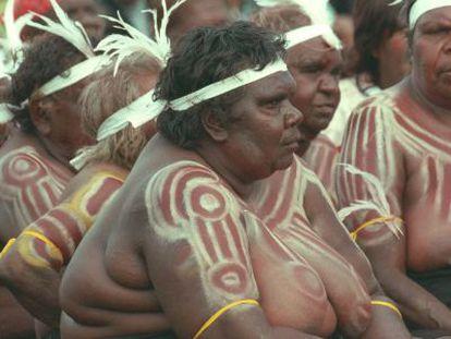 Mulheres de um grupo de dança aborígene na Austrália.