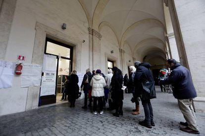 Colégio eleitoral, em Roma, neste domingo.