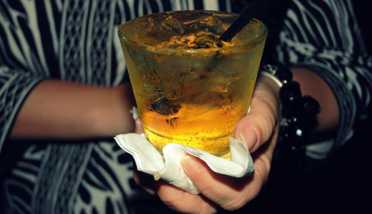 A mistura de bebidas energéticas com álcool mascara seus efeitos.