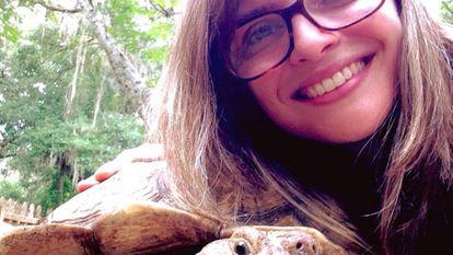 Natalia Rizzo, que estuda a evolução das tartarugas na USP.