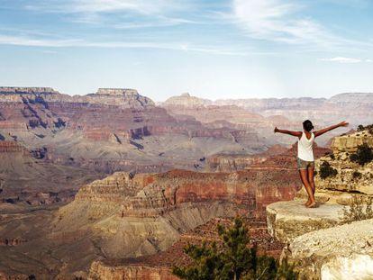 Quais são os lugares que todo turista ou viajante precisa visitar pelo menos uma vez na vida? Seguindo a moda das listas, Lonely Planet acaba de publicar um de seus valiosos 'rankings', com a seleção dos lugares imperdíveis que todo grande viajante aspira a conhecer (como o Grand Canyon do Colorado, na foto). O top 20 reúne destinos escolhidos pelos especialistas do Lonely Planet a partir de uma relação de 500 lugares analisados, e integra o livro 'Ultimate Travelist' (www.lonelyplanet.com/ultimate-travel).