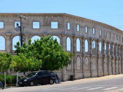 Estádio em construção imita o cartão-postal de Roma.
