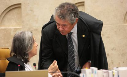Ministra Cármen Lúcia e ministro Marco Aurélio durante sessão do STF.
