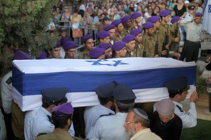 Funeral militar do tenente Goldin.