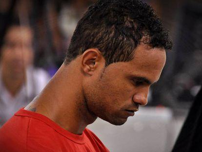 Embora condenado, o goleiro Bruno firmou contrato com o Boa.