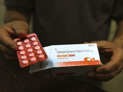 Comprimidos de hidroxicloroquina, em teste para tratar o coronavírus, à venda em Nova Delhi (Índia).