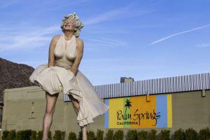Escultura gigante de Marilyn Monroe em Palm Springs (Califórnia).
