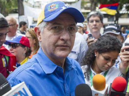 Antonio Ledezma, prefeito de Caracas, numa manifestação em 2014.