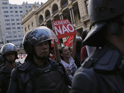 Manifestantes durante o primeiro ato, na última sexta-feira.