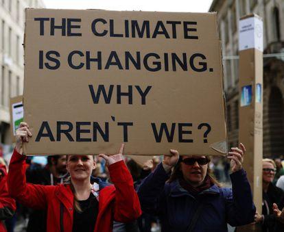 """""""Se o clima está mudando, por que não nós?"""" (Berlim)"""