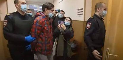 Stanislav Teshetnikov, depois de ser detido.