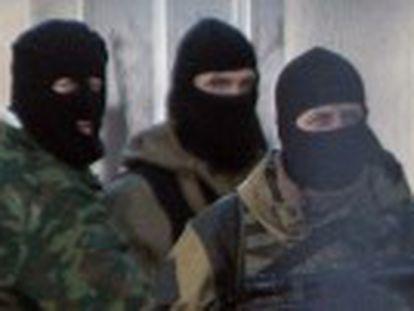 Um soldado da Ucrânia morreu e outro foi ferido em um tiroteio em uma base de Simferópol, segundo um porta-voz militar