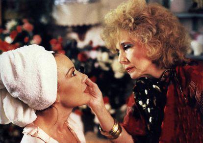 Cristina Sánchez Pascual e Mary Carrillo em 'Maus Hábitos'.