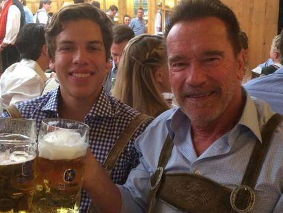 Joseph Baena e Arnold Schwarzenegger em Munique.