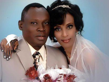 Uma foto de Meriam em seu casamento, colocada no Facebook por um familiar.