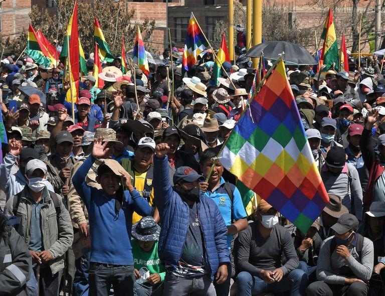 Protestos contra o adiamento das eleições na Bolívia.