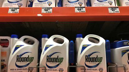 O herbicida Roundup em um supermercado da Califórnia, em 2017.
